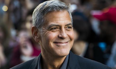 - George Clooney fraktet til sykehus etter trafikkulykke