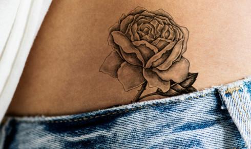- Det er overraskende mange som fjerner tatovering av eksens navn