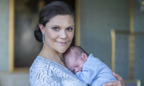 Victoria redan tillbaka efter förlossningen