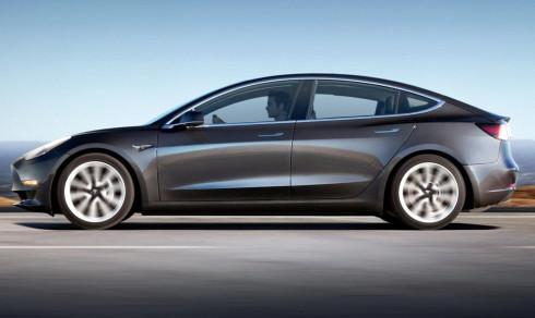 Tesla Model 3 får bremseslakt – Elon Musk lover trådløs løsning