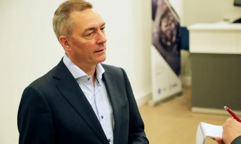 Forsvarsministeren på Andøya flystasjon: – Jeg tar personellsituasjonen på alvor