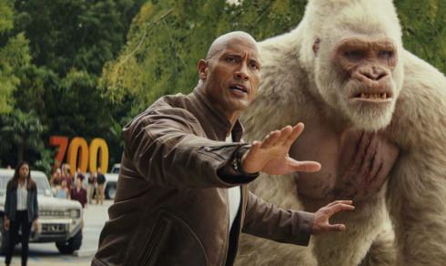 Filmanmeldelse «Rampage»: Helt primat med «The Rock»