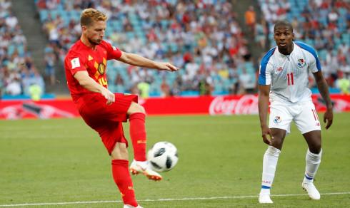 Belgia setter press på England