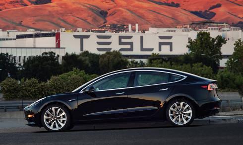 Faktisk: Nei, Tesla-biler sliter ikke merkbart på veien
