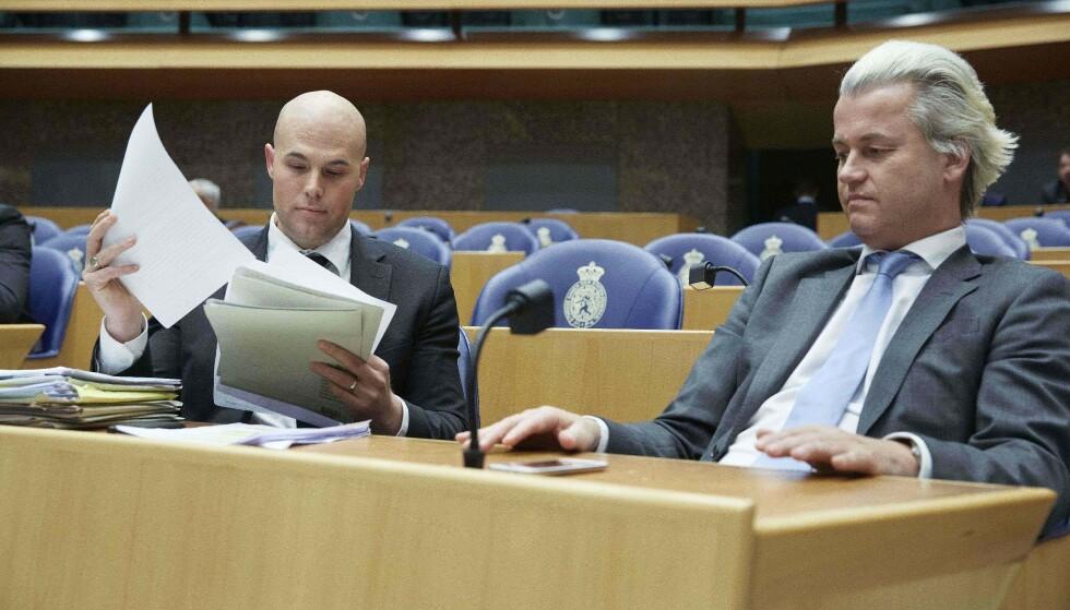 Foto: Joram van Klaveren (til venstre) har blitt muslim. Her sammen med Geert Wilders. (Photo by Martijn Beekman / ANP / AFP