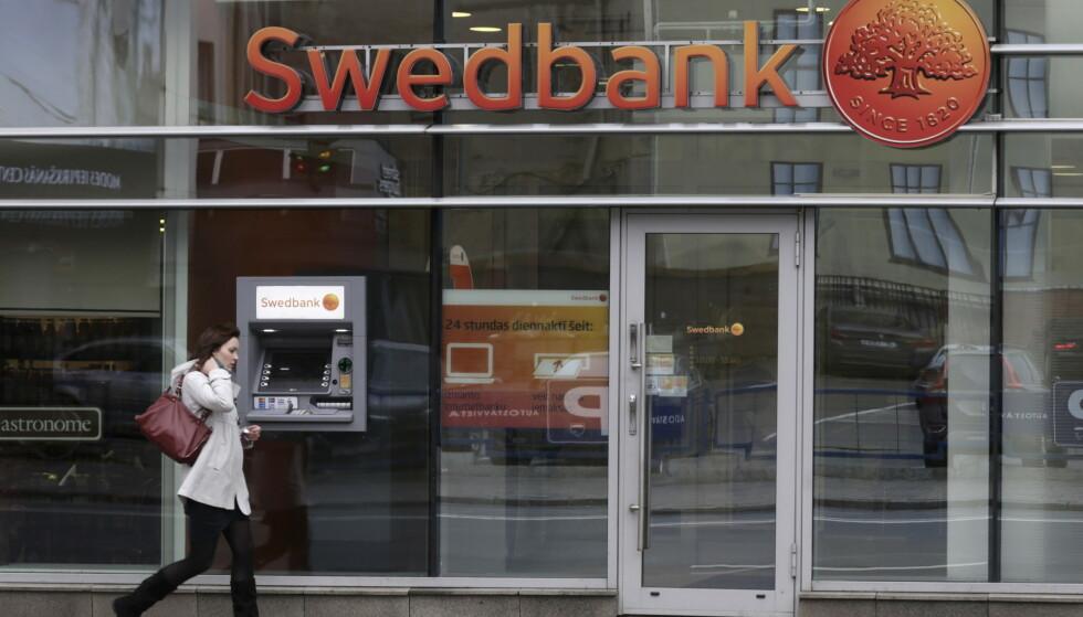 Swebank, her representert ved en fililal i Riga i Latvia, er i trøbbel. FOTO: Reuters.
