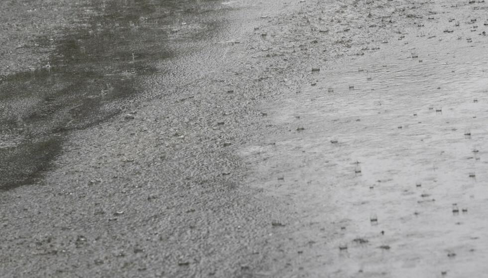 Rekordvarmen som er ventet i nord kan gi en veldig våt helg. (Foto: Håkon Mosvold Larsen / NTB scanpix)
