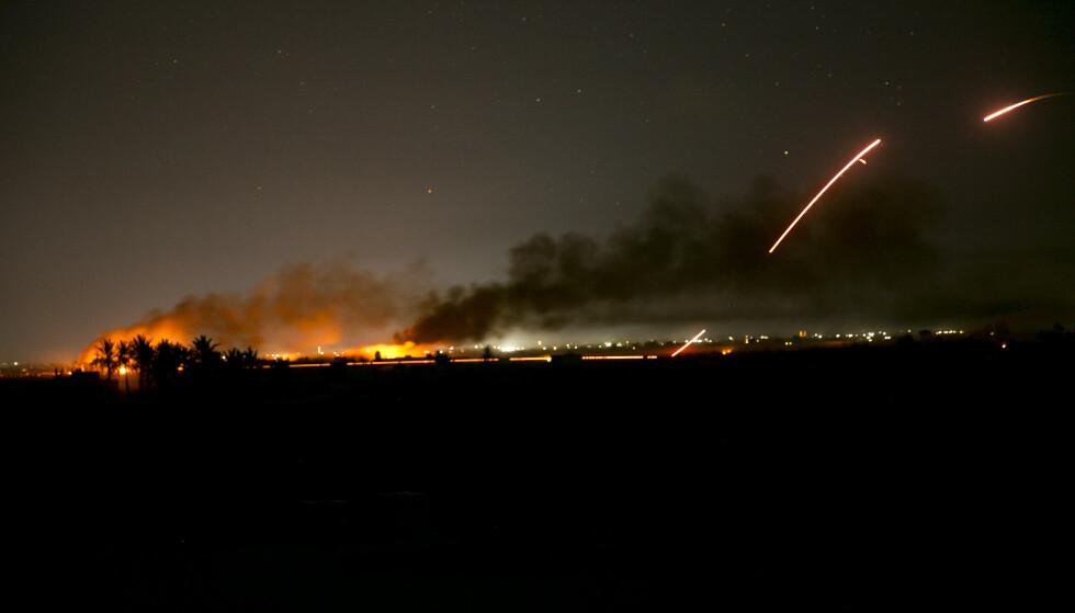 IS under angrep i Baghouz mandag kveld. Foto: AP / NTB scanpix