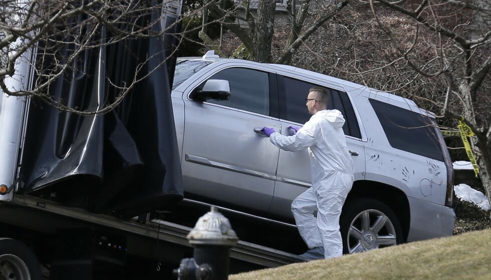 Etterforskere på åstedet etter at Francesco «Frank» Cali ble skutt og drept. Foto: AP Photo/Seth Wenig/NTB scanpix)
