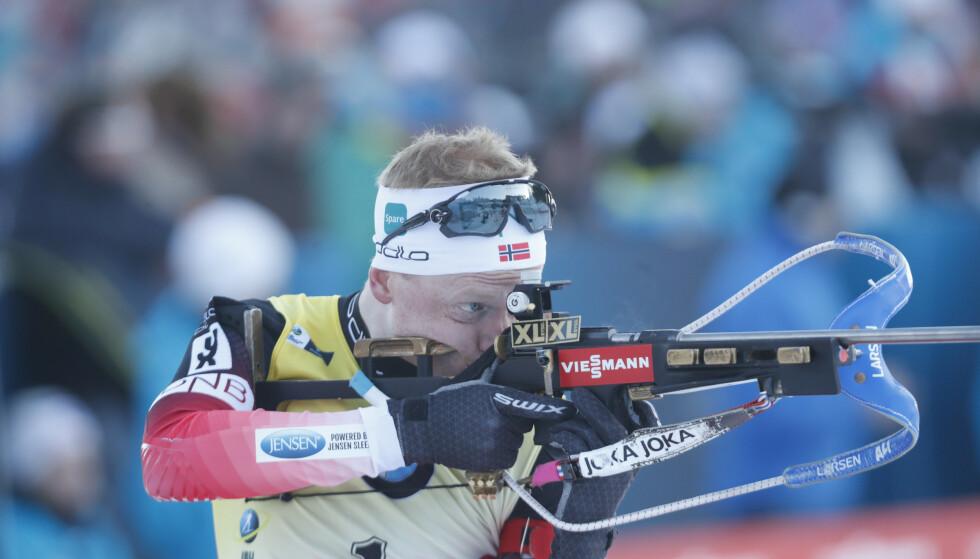 <strong>VANT:</strong> Johannes Thingnes Bø under verdenscup 12,5 km jaktstart menn skiskyting i Holmenkollen lørdag. Foto: Terje Bendiksby / NTB scanpix.