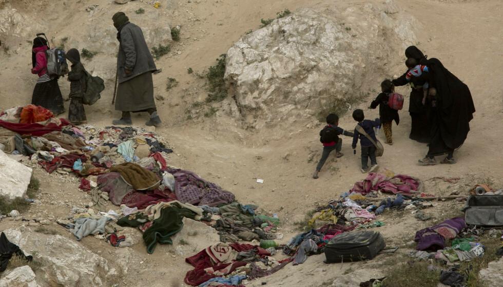 KAMP MOT IS: Blant de drepte er 209 barn og 157 kvinner, viser opptellingen fra Syrian Observatory for Human Rights (SOHR) lørdag. Foto: Maya Alleruzzo/AP/NTB Scanpix.