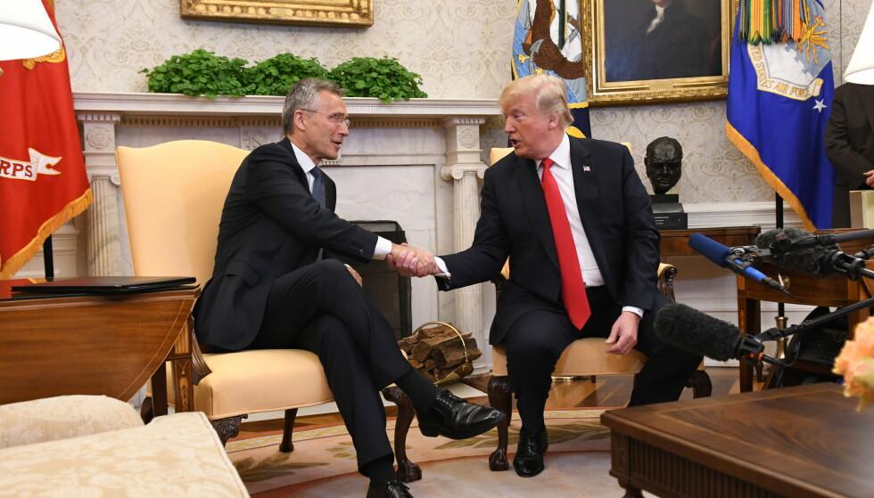 MØTES: Her er Stoltenberg og Trump avbildet på et tidligere møte i 2017. Foto: Johan Falnes / NTB scanpix.