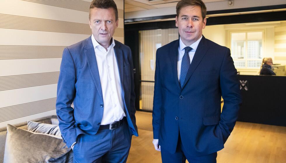 Advokatene Brynjulf Risnes (t.v.) og Ilja Novikov representerer spiontiltalte Frode Berg. Rettssaken mot nordmannen starter i Moskva 2. april. Foto: Håkon Mosvold Larsen / NTB scanpix