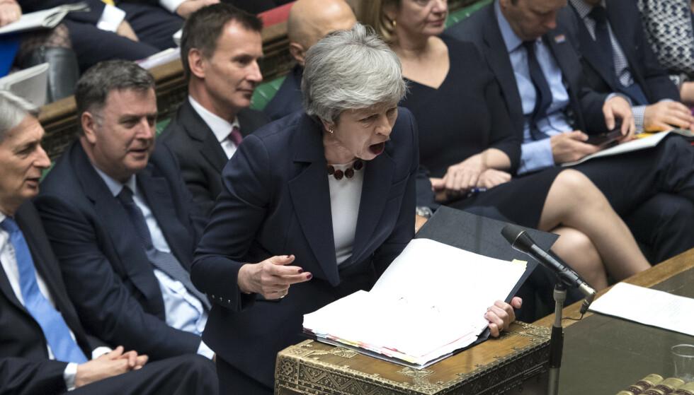 FORHANDLING: Blir det nei en tredje gang, må Theresa May ha en ny plan for utmeldingen innen 12. april for å unngå at Storbritannia forlater EU uten en avtale.Foto: Jessica Taylor/ AP/NTB SCanpix.