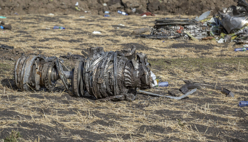 Vrakrester på stedet der et Boeing-fly av typen 737 MAX 8 styrtet i Etiopia i forrige måned. Foto: AP / NTB scanpix