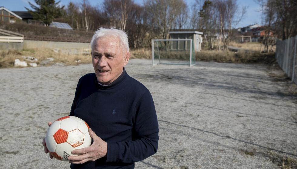 Pappa Øivind Solskjær på Torsketrøa-banen der sønnen Ole Gunnar la grunnlaget for sin karriere. Foto: Vidar Ruud / NTB scanpix