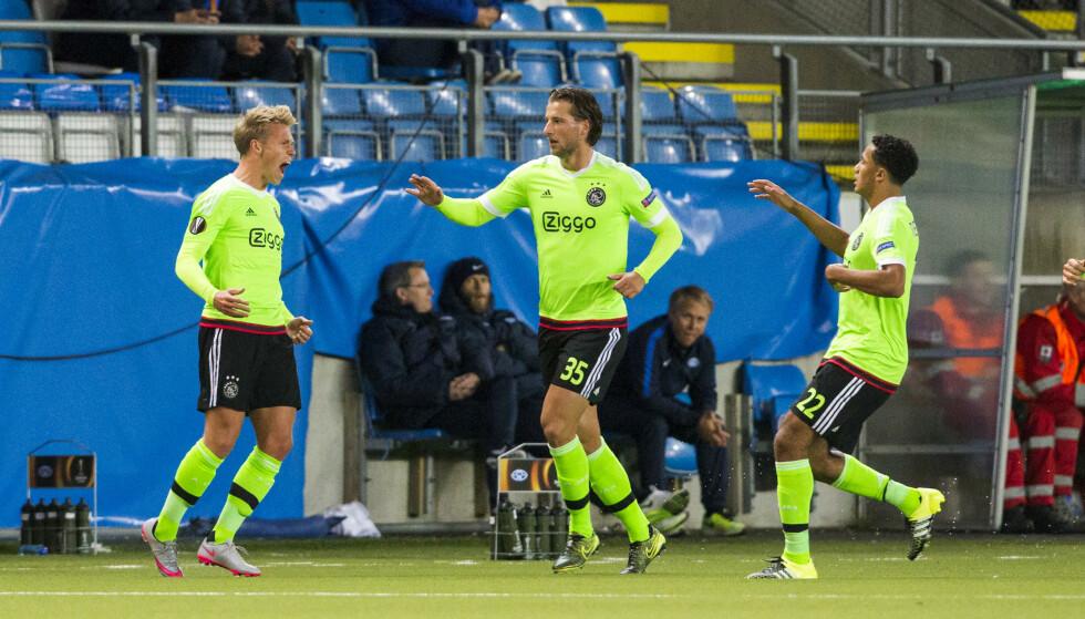 Viktor Fischer (til venstre), her fra en kamp for Ajax mot Molde i 2015, ble hetset av OB-fansen søndag. Foto: Svein Ove Ekornesvåg / NTB scanpix