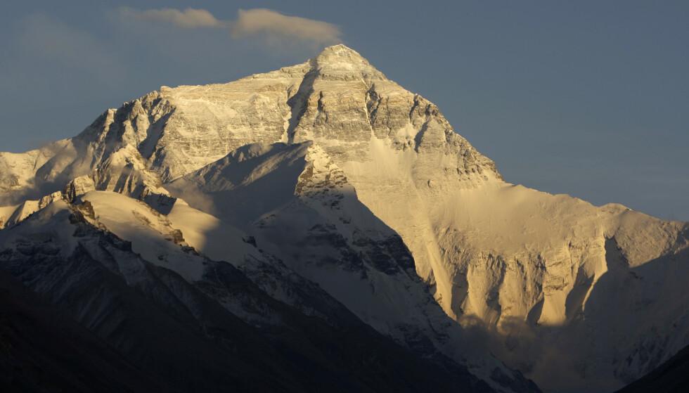 Etter det store jordskjelvet i Nepal i 2015 har det brutt ut uenighet om fjellet har blitt mindre. Nå skal det måles på nytt (Foto: REUTERS/David Gray).