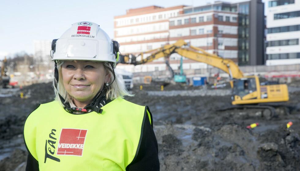 Kommunalminister Monica Mæland (H) er glad for at det nå kommer inn krav om kvinnegarderober på Statsbyggs byggeplasser. Bildet er tatt ved en tidligere anledning. Foto: Terje Pedersen / NTB scanpix