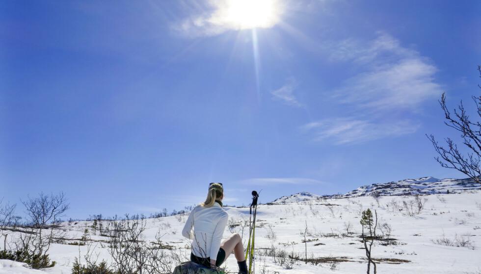 Knallvær med sol og blå himmel på fjellet. Foto: Håkon Mosvold Larsen / NTB scanpix