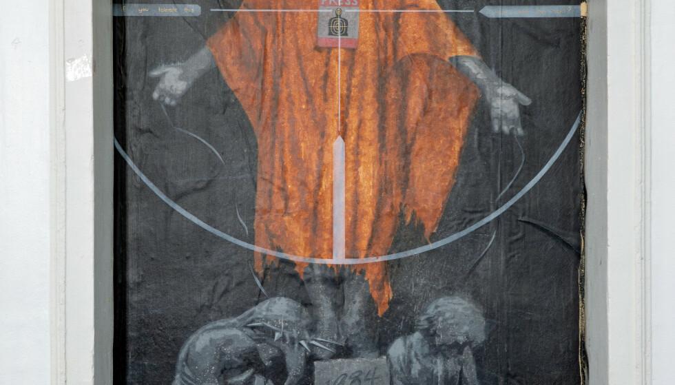Assange-bildet i Bergen er fjernet. Foto: Eivind Senneset / NTB scanpix