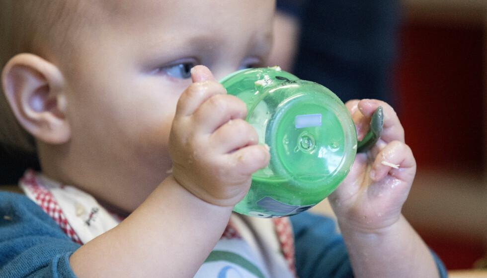 Babyer under ett år bør ikke se på noen skjermer i det hele tatt, mener WHO. Illustrasjonsfoto: Gorm Kallestad / NTB scanpix