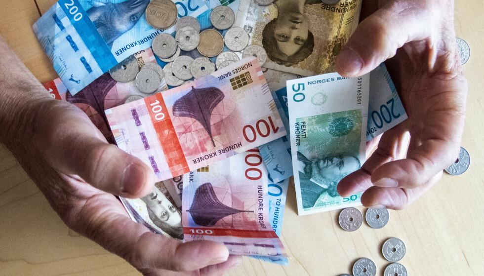 Dersom man ikke gjør en grundig sjekk av skattemeldingen og fører inn alt som kan gi fradrag, risikerer man å måtte betale mer i skatt enn man egentlig må. Foto: Gorm Kallestad / NTB scanpix.