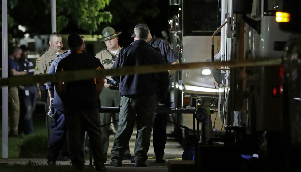 Politiet i Tennessee fotografert i forbindelse med jakten på den mistenkte. Foto: Mark Humphrey / AP / NTB scanpix