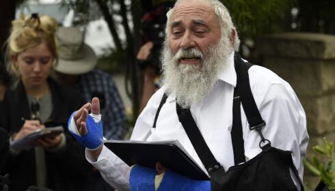 Rabbien Yisroel Goldstein fortalte søndag om hva som skjedde under angrepet mot synagogen i Poway dagen før. Foto: Denis Poroy / AP / NTB scanpix