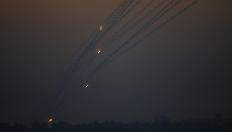Det har regnet raketter og bomber over både Gaza og Israel de siste dagene. Foto: Ariel Schalit / AP / NTB scanpix
