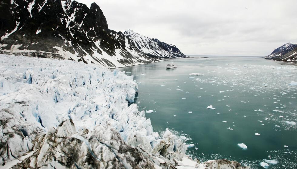 Isbreene smelter raskere enn tidligere på grunn av varmere temperaturer. Foto: Erik Johansen / NTB scanpix.