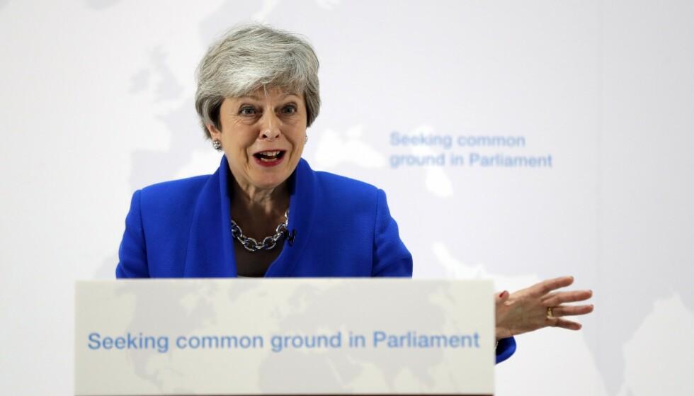 Storbritannias statsminister Theresa May orienterte tirsdag om den justerte brexitplanen som skal legges fram for Parlamentet i begynnelsen av juni. Sier de folkevalgte nei en fjerde gang, er det ensbetydende med å si nei til resultatet i folkeavstemningen, mener May. Foto: Kirsty Wigglesworth / AP / NTB scanpix