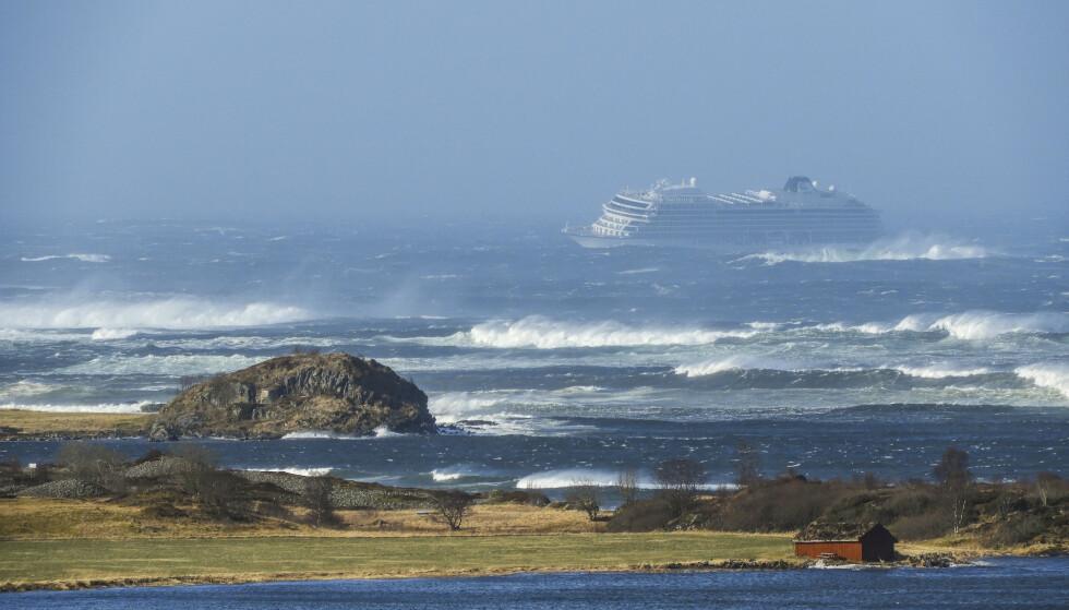 Cruiseskipet Viking Sky drev mot land og sendte ut mayday-melding 23. mars i år. Frank Einar Vatne / NTB scanpix