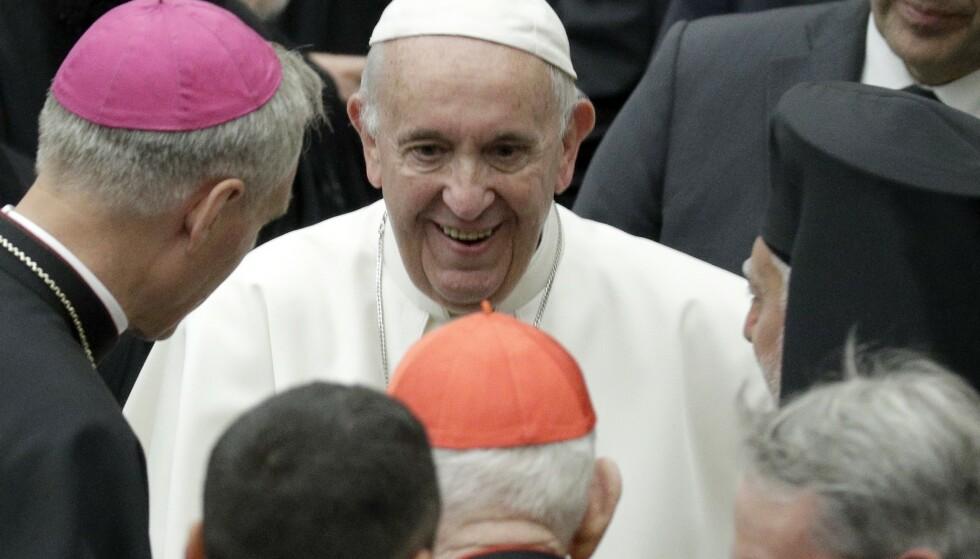 Paven deltok på en konferanse for abortmotstandere i Vatikanet i Roma lørdag. Foto: Andrew Medichini / AP / NTB scanpix