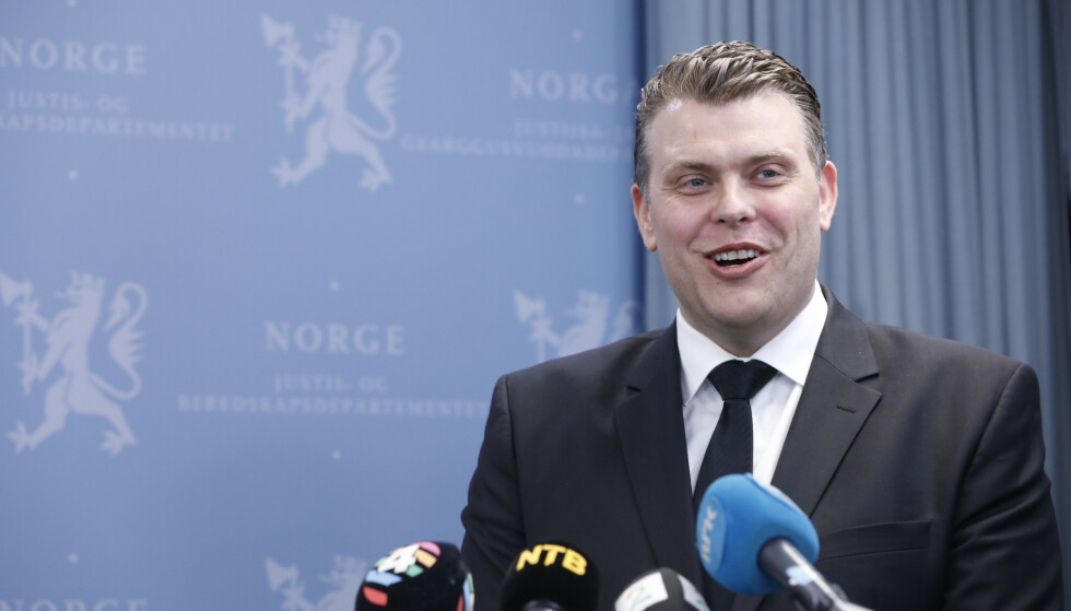 Jøran Kallmyr da han overtok som justisminister etter fungerende justisminister Jon Georg Dale. Foto: Gorm Kallestad / NTB scanpix