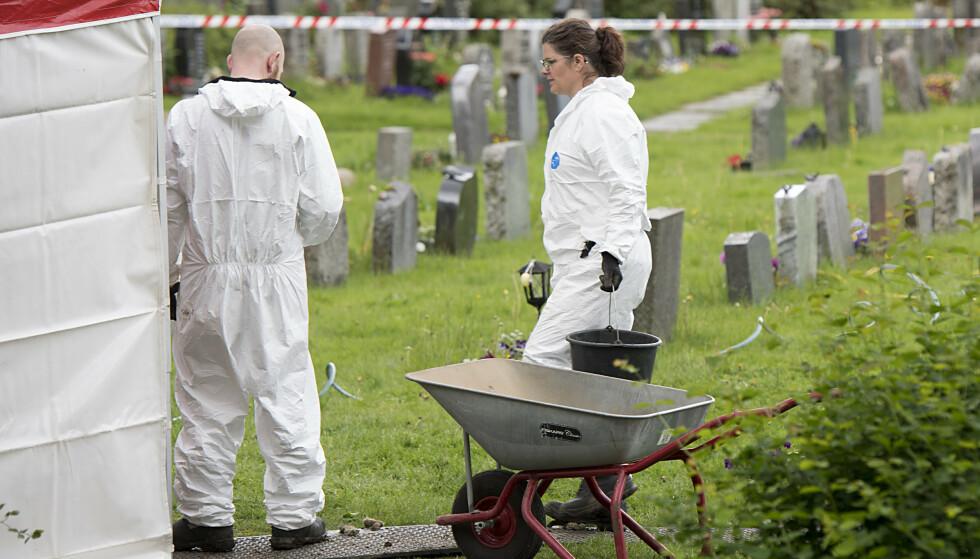 Politiet i Bergen gjør nye søk etter Trine Frantzen på Øvsttun gravplass. Foto: Marit Hommedal / NTB scanpix
