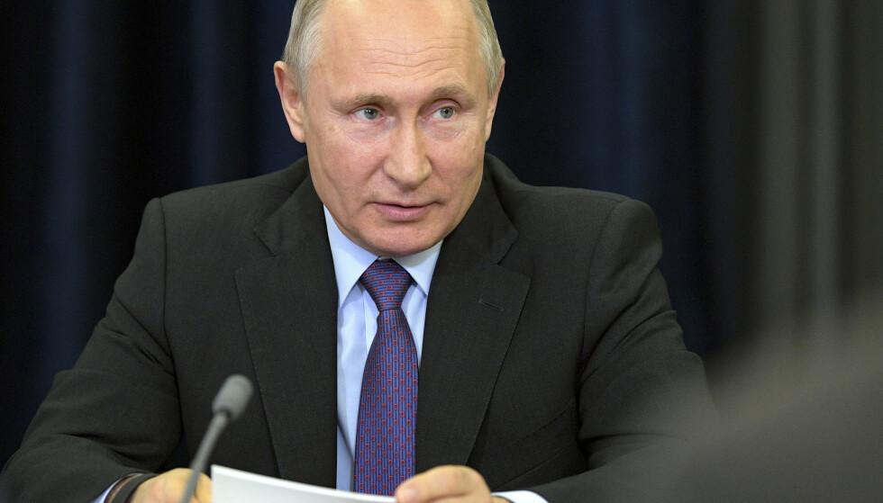Russlands president Vladimir Putin synes lite om land som anerkjenner Juan Guaidó som Venezuelas president. Foto: AP / NTB scanpix