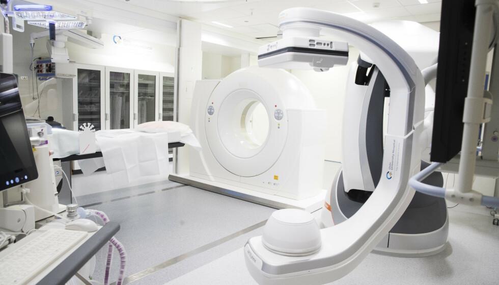 Alvorlig kreftsyke må ofte vente i flere måneder før de får tatt nødvendige røntgenbilder som MR ved Oslo universitetssykehus. Dette kan få konsekvenser for behandlingen, advarer leger ved sykehuset. Foto: Terje Pedersen / NTB scanpix