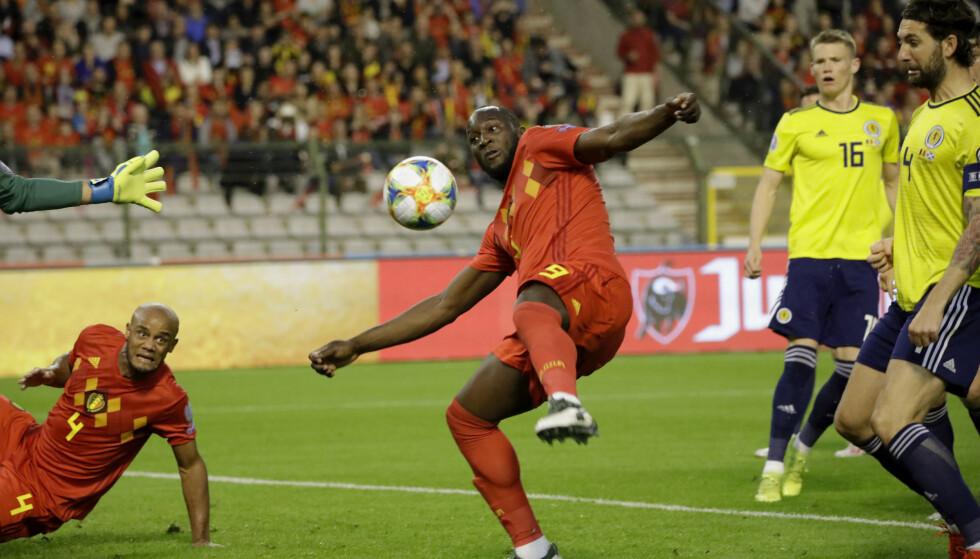 Romelu Lukaku kan være på vei bort fra Manchester United. Foto: Olivier Matthys / AP / NTB scanpix