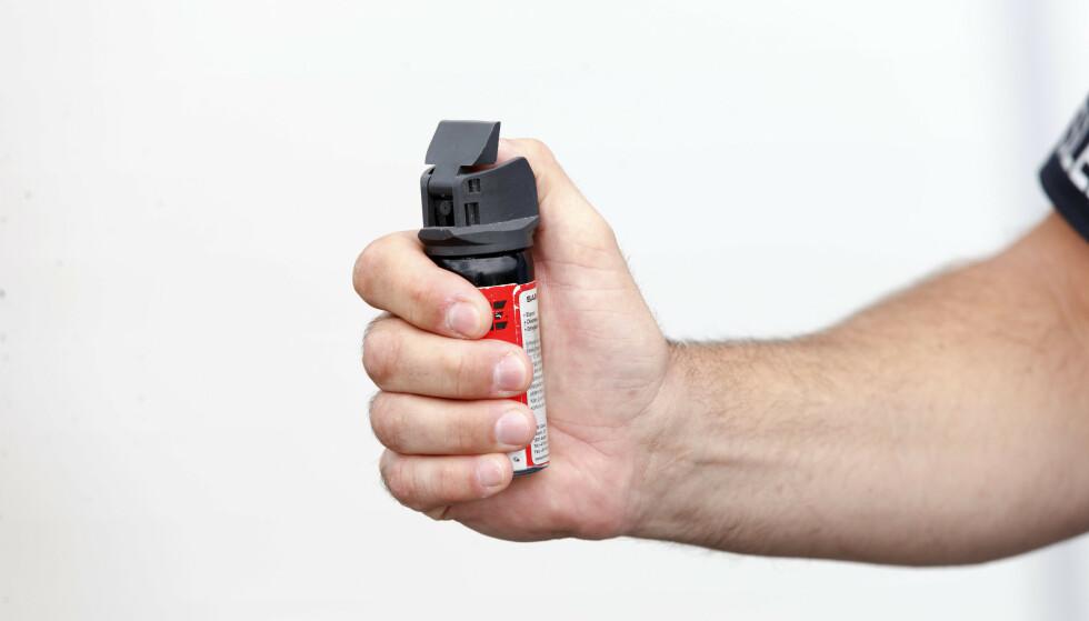 En regelendring skal gjøre det lovlig for tollere å gå med pepperspray på jobb. Illustrasjonsfoto: Gorm Kallestad / NTB scanpix
