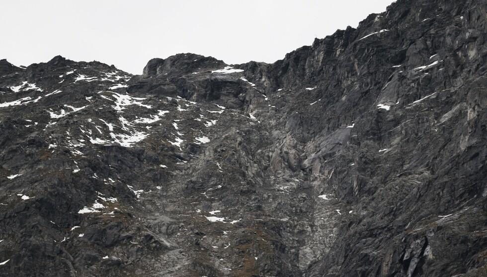 Farenivået ved Veslemannen i fjellpartiet Mannen i Rauma kommune i Møre og Romsdal ble søndag kveld oppjustert til rødt. Bildet ble tatt i fjor høst. Arkivfoto: Fredrik Hagen / NTB scanpix