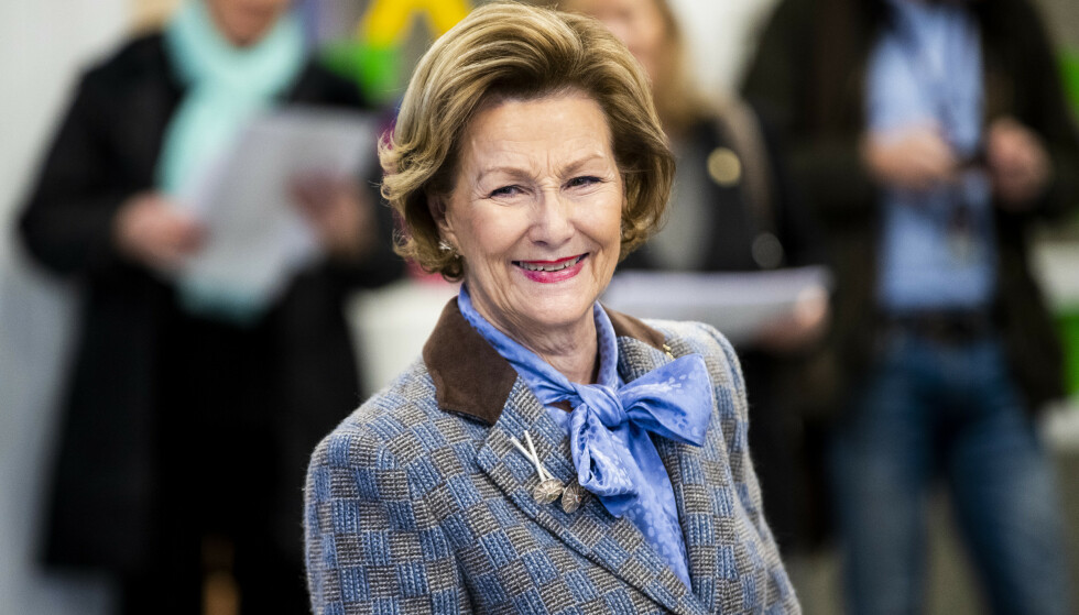 Dronning Sonja markerer 82-årsdagen sin privat 4. juli. Her under et besøk ved Apalløkka skole i Oslo i desember 2018. Foto: Tore Meek / NTB scanpix