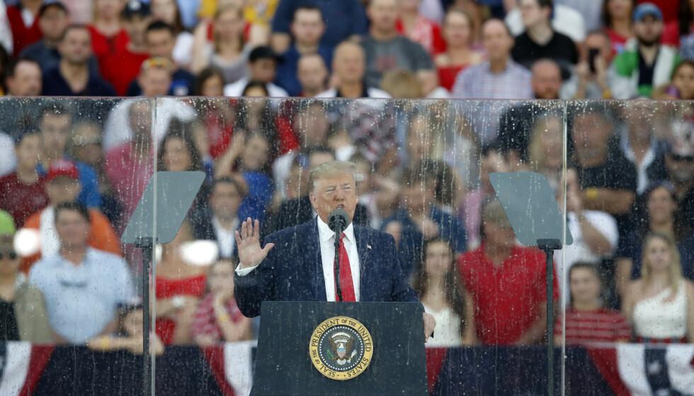 Donald Trump talte på en regntung ettermiddag i Washington. Foto: Alex Brandon / AP / NTB scanpix