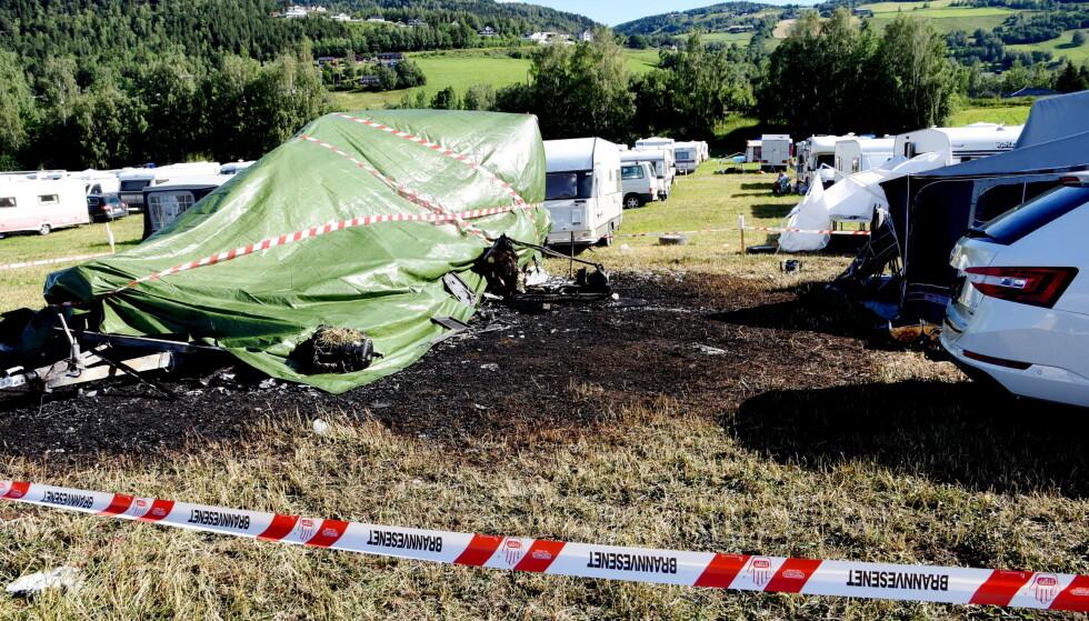 En mann i 20-årene omkom i en campingvognbrann på Vinstra fredag morgen. Foto: Kristin Veskje / GD / NTB scanpix
