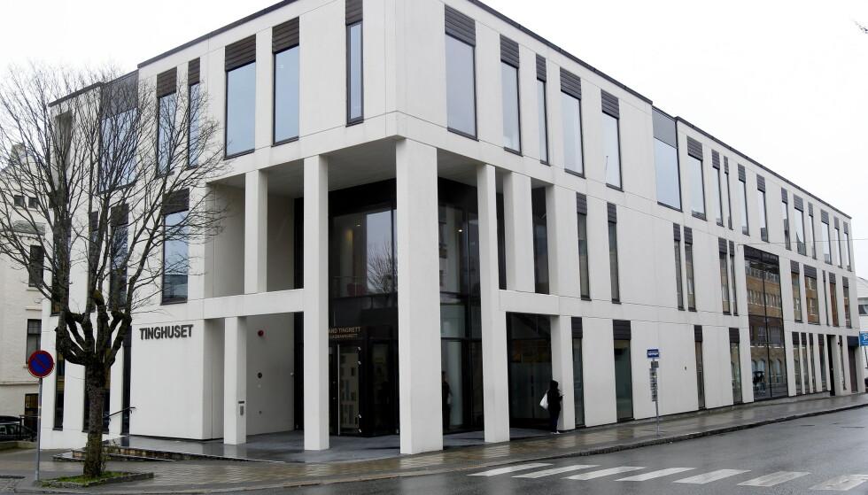 En mann er i Haugaland tingrett tiltalt for å ha delt bilder av sin egen datter og tidligere samboere på pornografiske nettsteder. Foto: Jan Kåre Ness / NTB scanpix.