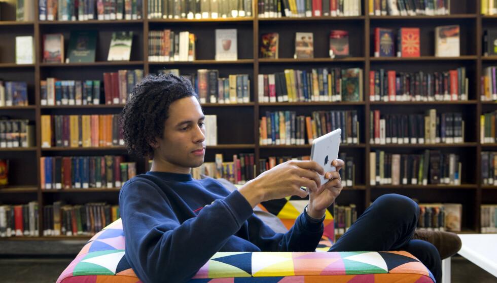 Forbrukertilsynet ber nye studenter om å sette seg nøye inn i skolekontraktene før de godtar skoleplass. Foto: Thomas Brun / NTB scanpix