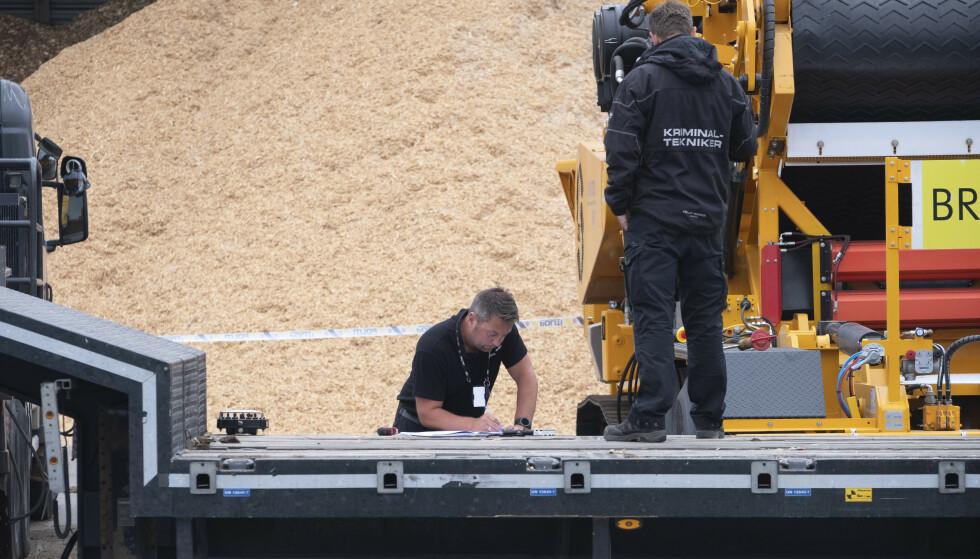 Politiet jobber på stedet etter at en mann ble skadd i en arbeidsulykke på Mjåvann industriområde i Kristiansand torsdag. Foto: Tor Erik Schrøder / NTB scanpix