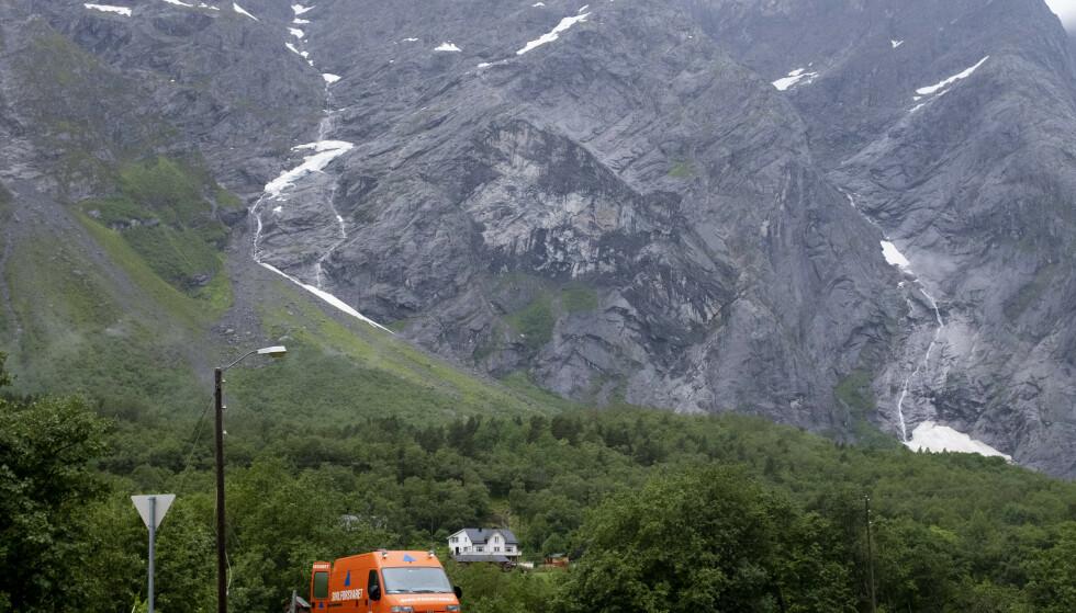 NVE opprettholder rødt farenivå på Veslemannen. Foto: Fredrik Hagen / NTB scanpix