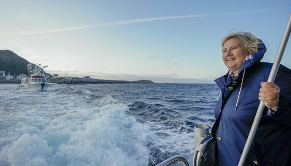 Statsminister Erna Solberg bevilger mer penger til å bekjempe plast i havet. Foto: Heiko Junge / NTB scanpix
