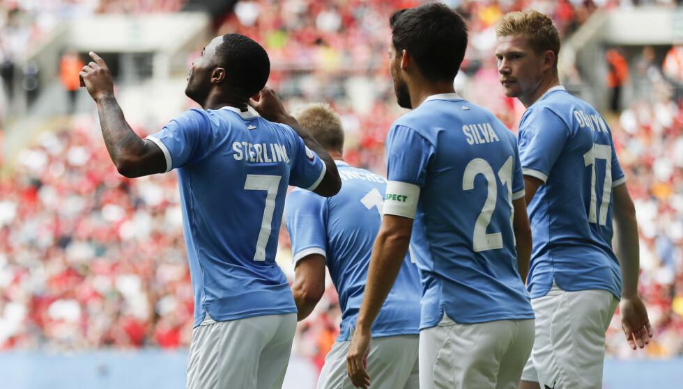 Manchester Citys Raheem Sterling feirer sin scoring mot gamle lagkamerater. Foto: Frank Augstein / AP / NTB scanpix